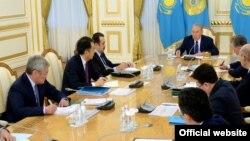 Қазақстан президенті Нұрсұлтан Назарбаев үкіметтің кезекті жиындарының бірінде. Астана, 15 қаңтар 2015 жыл.