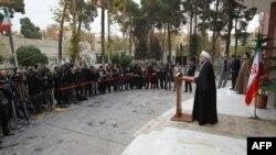 Прэзыдэнта Ірану Хасан Рухані прамаўляе ў Тэгеране, 14 лістапада 2013