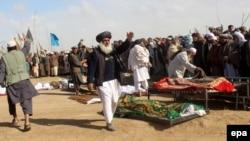 بررسی حمایت قاطع: در حمله بر بز کندهاری کندز، ۳۳ فرد ملکی کشته شدند