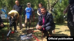 Конгрессмен Дэвид Валадао в Нагорном Карабахе (фотография вашингтонского офиса «Ай дат»)