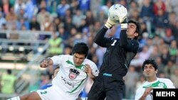 مهدی رحمتی در بازی روز شنبه مانع به ثمر رسیدن موقعیت های گل تیم ذوب آهن اصفهان شد.