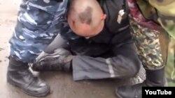 Скриншот видео о предполагаемом насилии над заключенными в колонии в городе Семей.