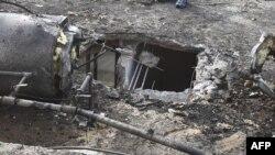 Ливан тараптан атылып келген ракета түшкөн үйдүн чатыры кыйрады. Израил. Нахариа шаары.