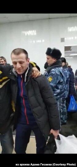 Adam Gisajev kaže da je za devet mjeseci s 96 kilograma spao na 69.