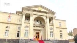Ermənistanda qənaət rejimi: Deputatların da sayı azaldılır