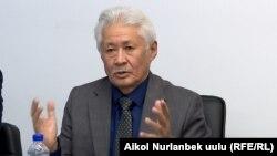 Турсунбек Акун.