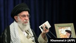 Верховный лидер Ирана аятолла Али Хаменеи во время телевизионного обращения к нации в Тегеране. 3 июня 2020 года.