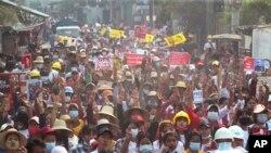 په برما کې د مارچ پر اته د پوځي کودتا پرضد مظاهرې. ارشیف- انځور