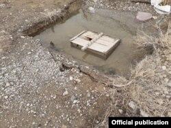 Грунтовые воды возле дома в селе Жеткиншек, Туркестанская область. 24 февраля 2021 года.