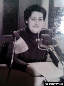 Diktor Fatma Ametova. Leylâ Alâdinovanıñ arhivinden