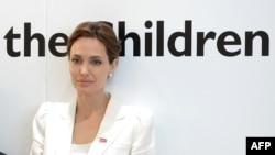 Angelina Jolie - Arkiv