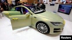 Модель XchangE швейцарской компании Rinspeed создана на основе электромобиля модели S американской компании Tesla