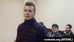 Belarusian journalist Raman Pratasevich at a court hearing in Minsk in 2017.