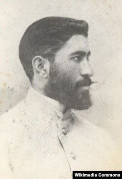 Xosrov bəy Sultanov