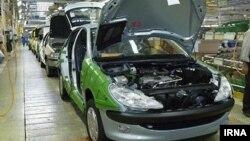 نمایی از خط تولید پژو ۲۰۶ در کارخانه خودروسازی ایران خودرو