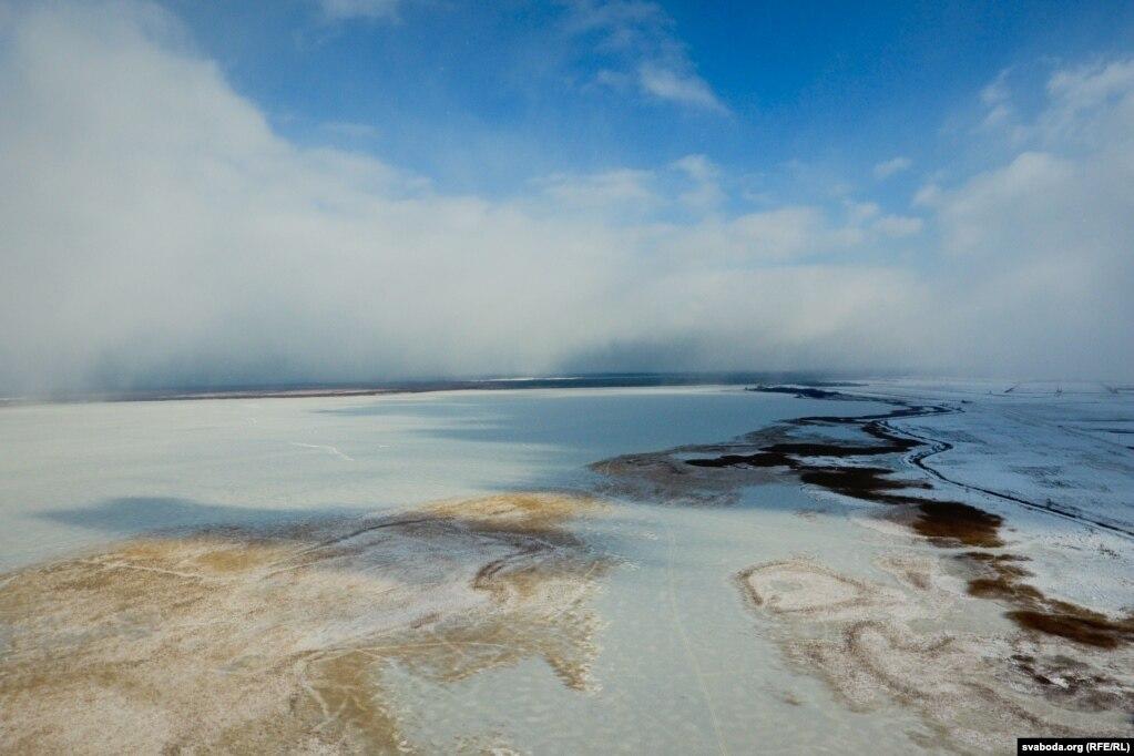 Возера Чырвонае ўзімку з дрона