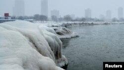 Набережная озера Мичиган, Чикаго, штат Иллинойс, 29 января 2019 года