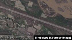Казарман аэропортунун спутниктен көрүнүшү, Тогуз-Торо району, Жалал-Абад областы.