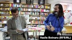 La Librăria Cartier alături de poetul Emil Galaicu-Păun