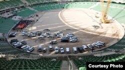 من مراحل بناء الملعب الرئيس في المدينة الرياضية بالبصرة التي من المقرر أن تستضيف منافسات بطولة خليجي 22 في عام 2015.