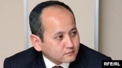 Оппозициялық саясаткер және қуғындағы банкир Мұхтар Әблязов.