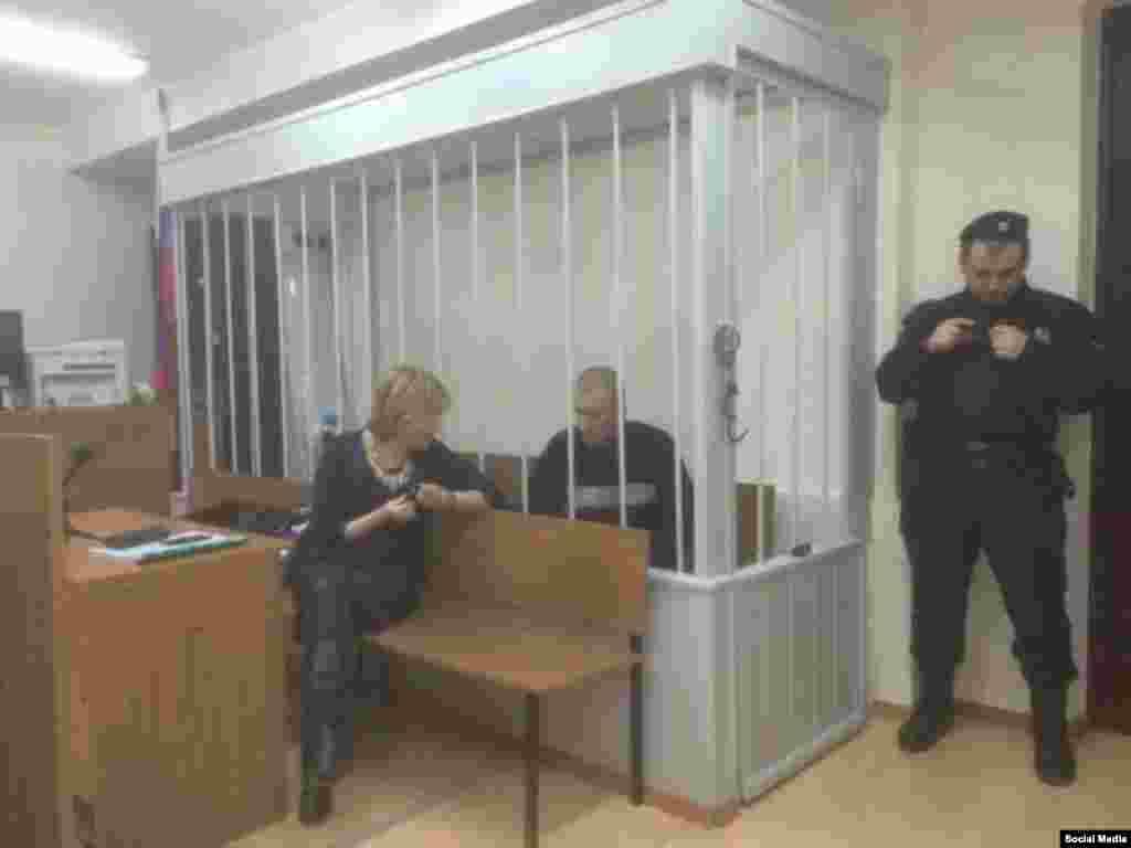 Олександр Кольченко з адвокатом Світланою Сидоркіною в Лефортовський районному суді Москви, 25 грудня 2014 року