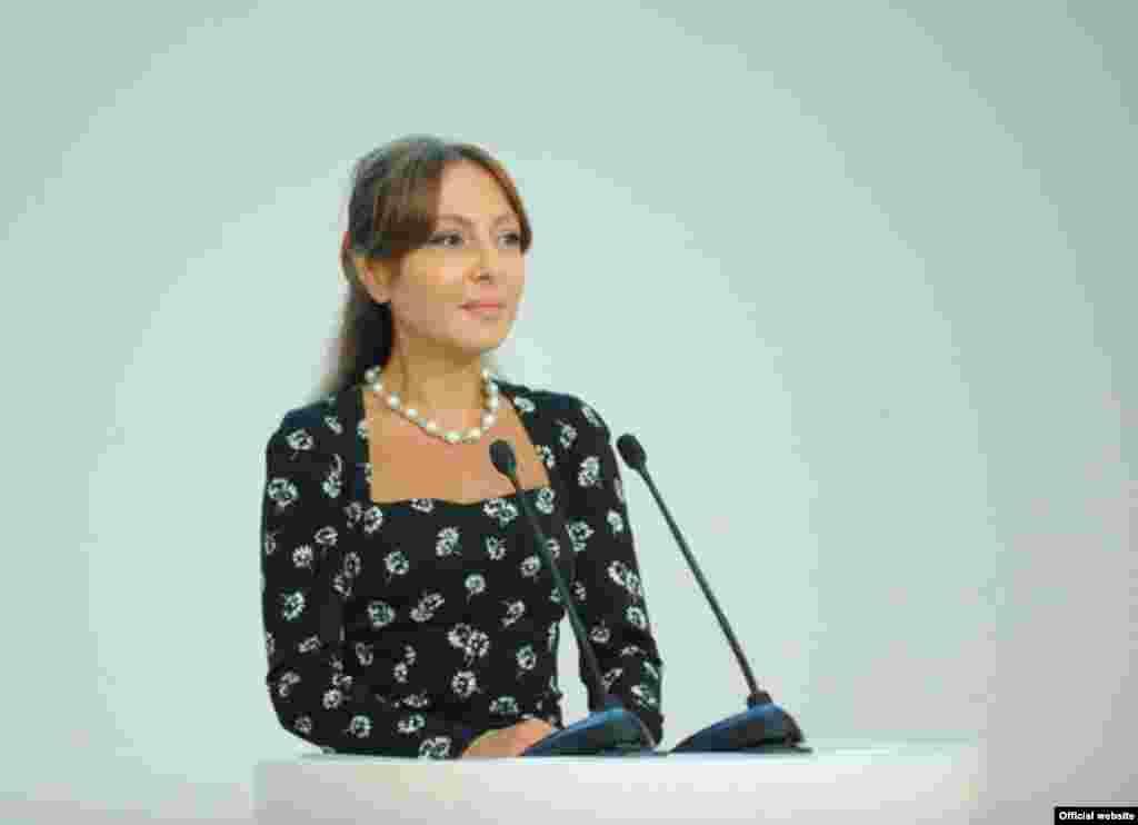 Prezident xanımının bacısı, filologiya elmləri doktoru, professor Nərgiz Paşayeva