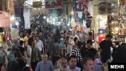 نمایی از ورودی بازار بزرگ تهران