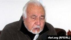 Исмаил Казимиар од авганистанскиот Висок мировен совет,