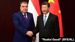 Главы Таджикистана и Китая - Эмомали Рахмон и Си Цзиньпин