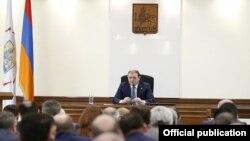 Заседание Совета старейшин Еревана (архив)