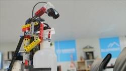 Lego robot u borbi protiv korona virusa