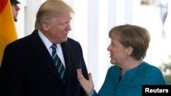 Дональд Трамп привітав Анґелу Меркель і Білому домі, 17 березня 2017 року