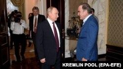 Виктор Медведчук шайлоонун алдында Орусия президентине жолугуп турду.