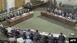 Мирні переговори між Іраном та Іраком у Женеві за посередництва Хав'єра Переса де Куельяра, 1988 рік