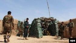 Афганские военные в районе провинции Гельменд, апрель 2016 года.