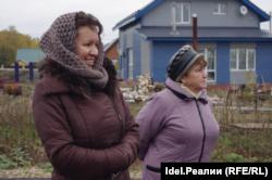 Сания Сайфутдинова (справа)