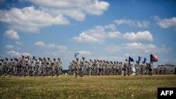 Pamje e ushtarëve amerikanë në bazën Bondsteel në Kosovë