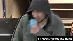 Поширене поліцією фото підозрюваного в скоєнні нападу в Стокгольмі