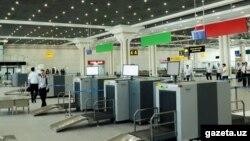 Зона прибытия в аэропорту Ташкента.