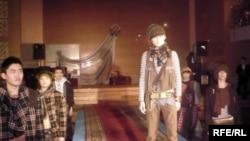 Илья Ильиннің ерлерге арналған сәнді киімдер жинағының тұсаукесері. Орал, 28 ақпан 2009 ж.