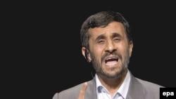 واکنش به سخنان محمود احمدی نژاد در دانشگاه کلمبیا از عناوین برجسته روزنامه های جهان در روز سه شنبه بود.