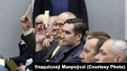 Дзяніс Шунто і Ўладзіслаў Маяроўскі (у цэнтры) на адным з паседжаньняў БФФ