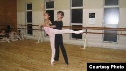 Кыргызстандык жаш балетчилер