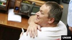 Народный депутат из фракции Партии регионов Вадим Колесниченко в зале заседаний Верховной Рады Украины, 25 мая 2012 год