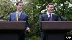 Nick Clegg dhe David Cameron