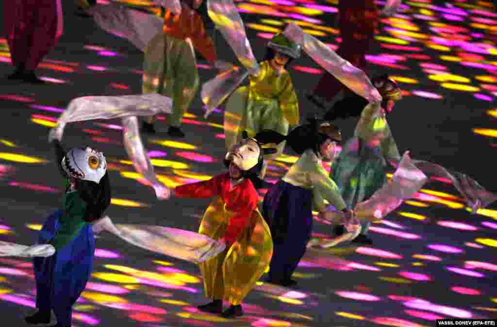 Performers at the Closing Ceremony of the PyeongChang 2018 Olympic Games, Pyeongchang county, South Korea, 25 February 2018. EPA-EFE/VASSIL DONEV