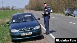 Ukraine -- road policemen, Kyiv, 03Jun2011