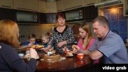 Члени сім'ї Мельників розповідають кореспондентці Радіо Свобода про свої успіхи