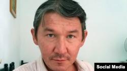 Независимый журналист из Узбекистана Сид Янышев.